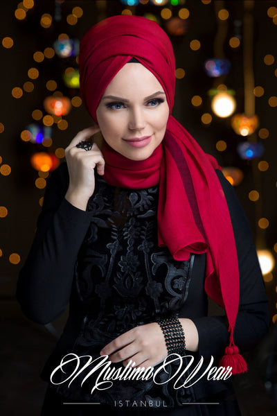 Queen Hijab Raspberry Red - Muslima Wear 1