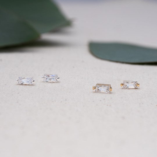 Gracious Studs - Silver/Clear