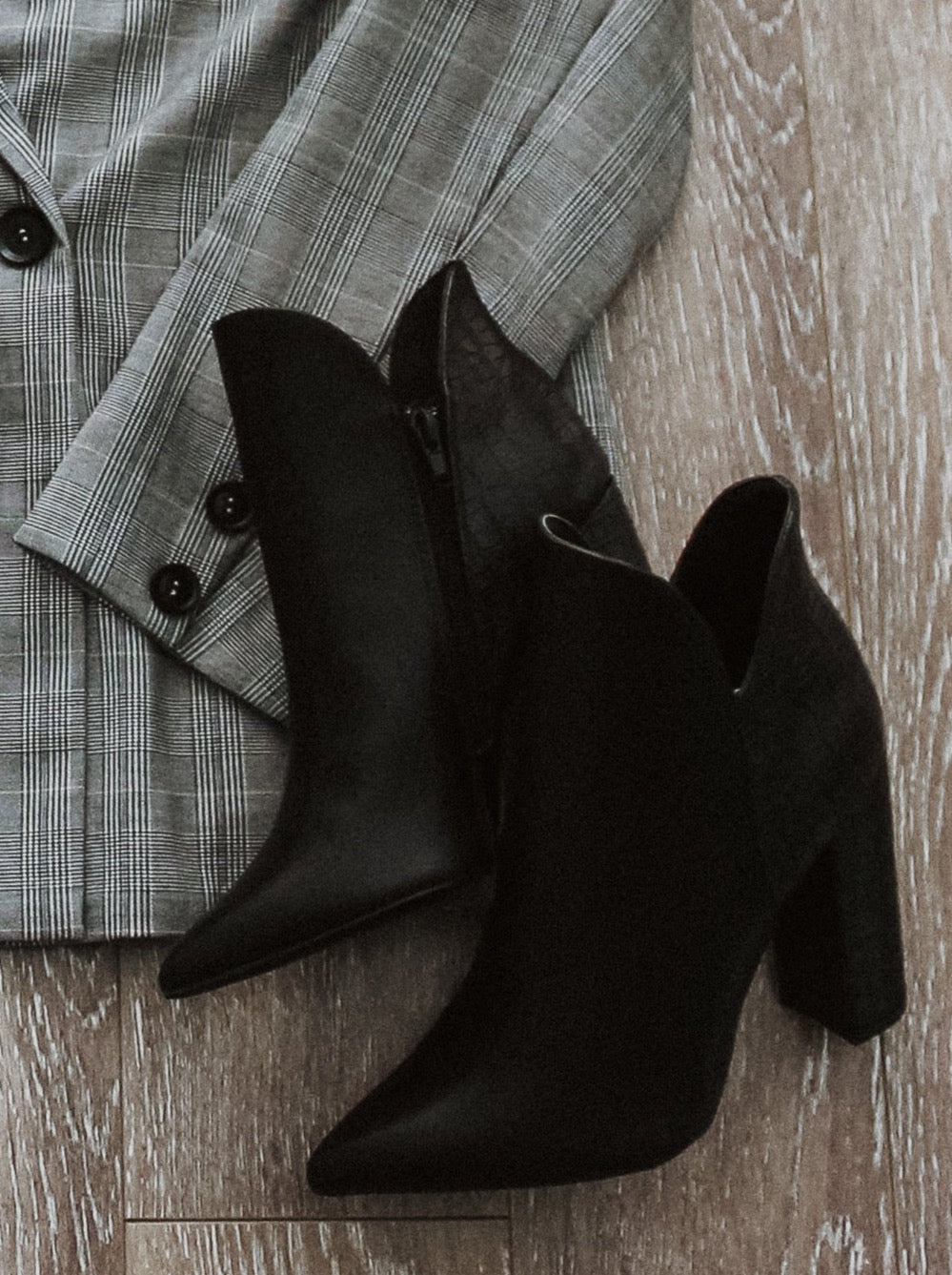 Nadia Pointed Ankle Boots in Black / FINAL SALE