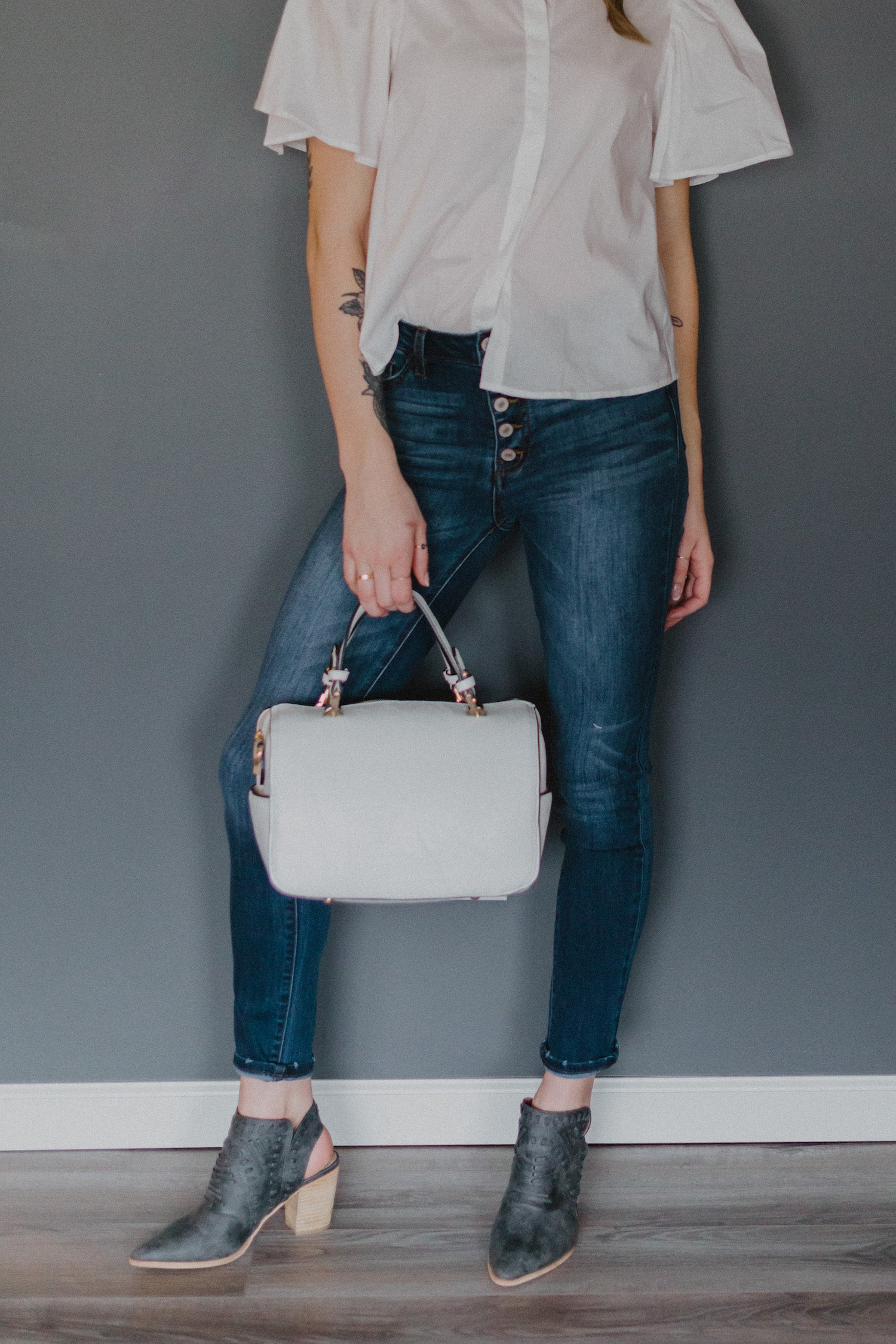 Speed Through the Day Handbag in White / FINAL SALE