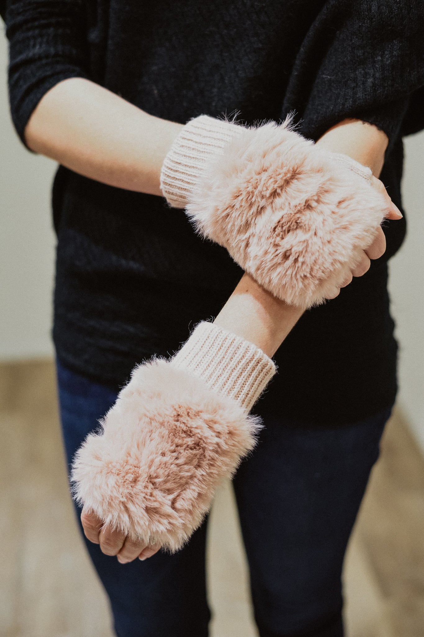 Fur The Win Fingerless Gloves in Pink