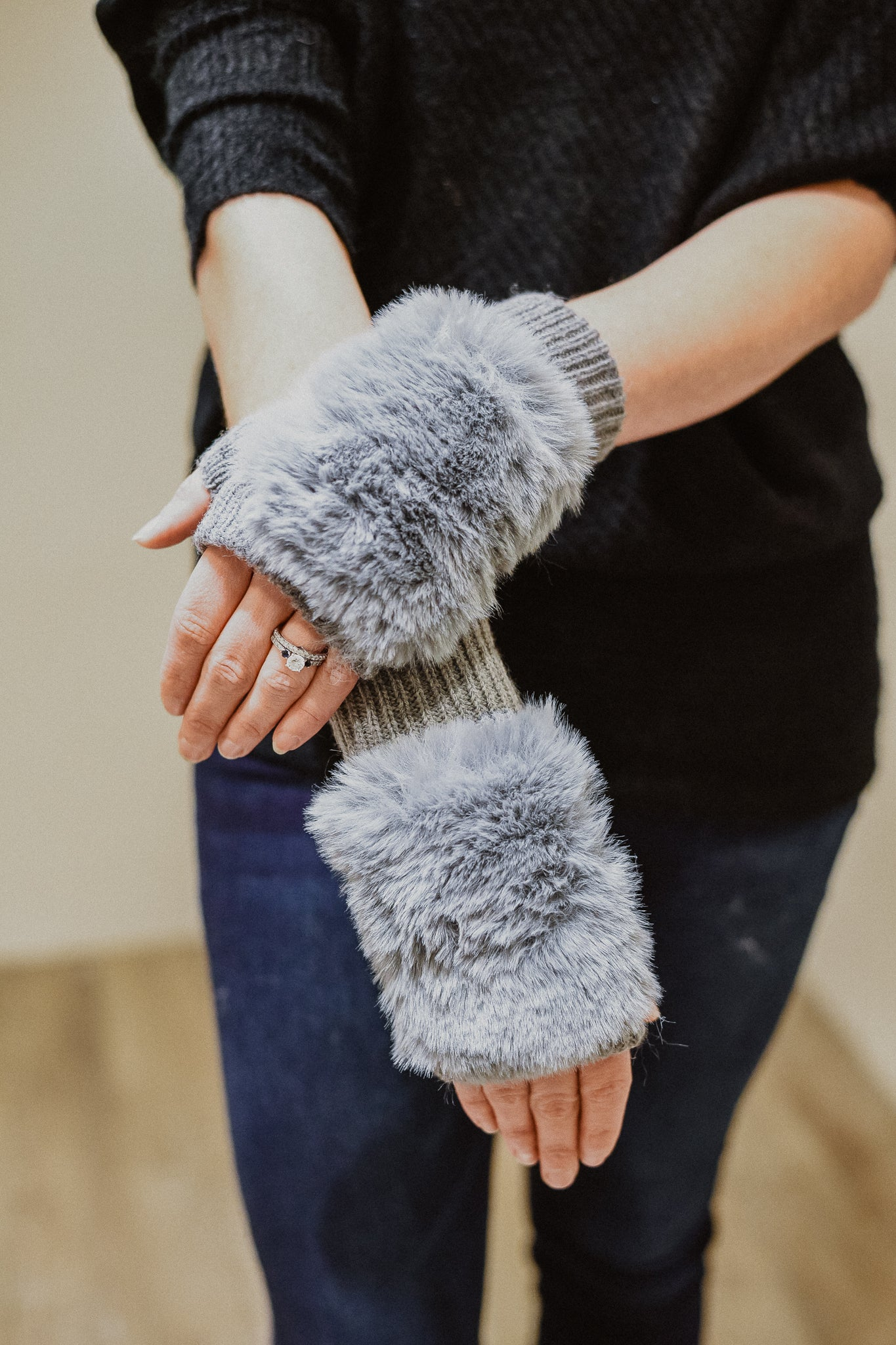 Fur The Win Fingerless Gloves in Grey