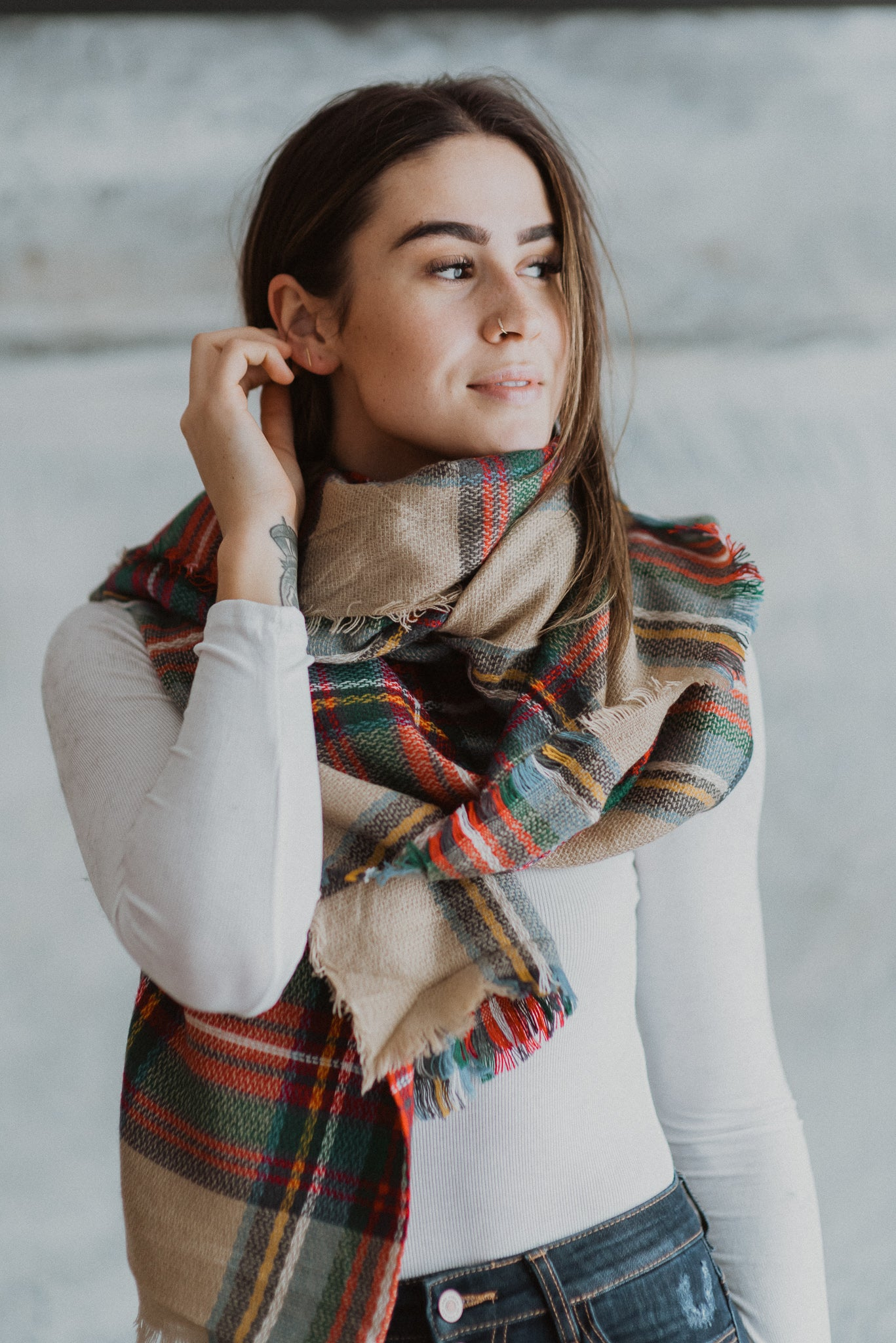 Essential Plaid Scarf in Beige