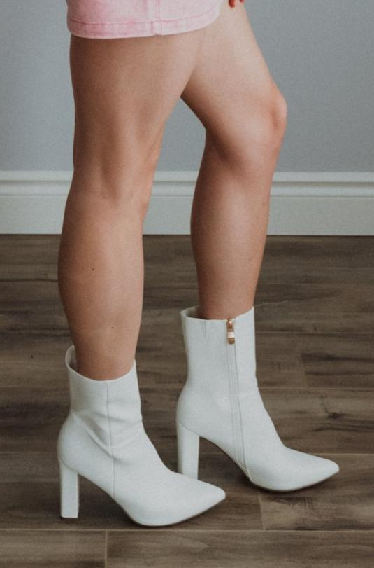 •sold out• The Penelope White Bootie