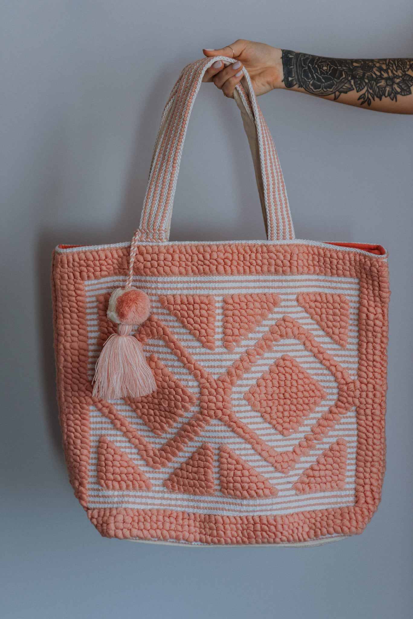 xSOLD OUTx Sunny Dreams Tassel Tote Bag in Pink