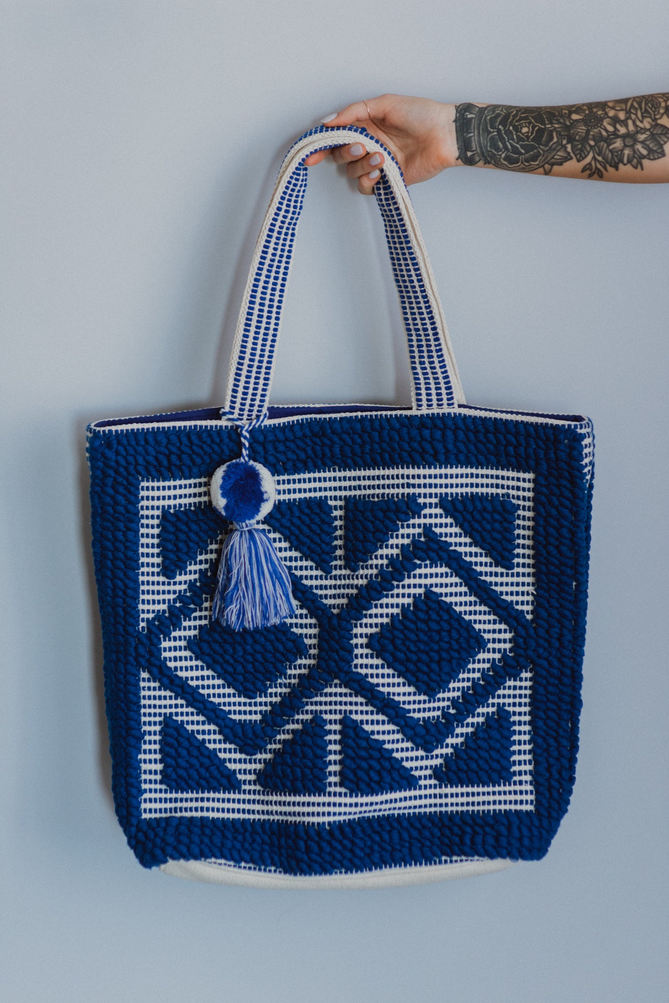 Sunny Dreams Tassel Tote Bag in Royal Blue