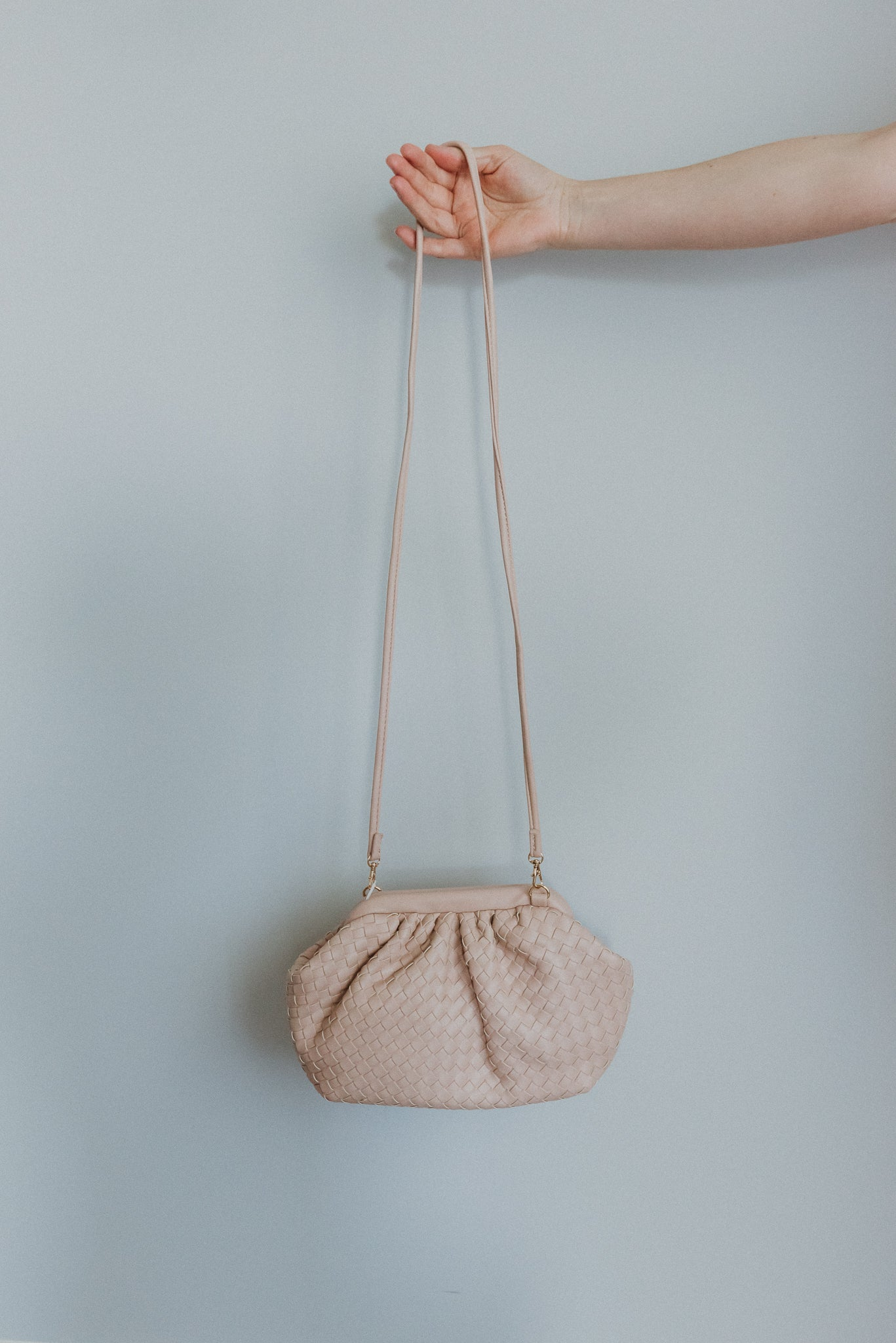 Crowd Pleaser Crossbody in Ivory