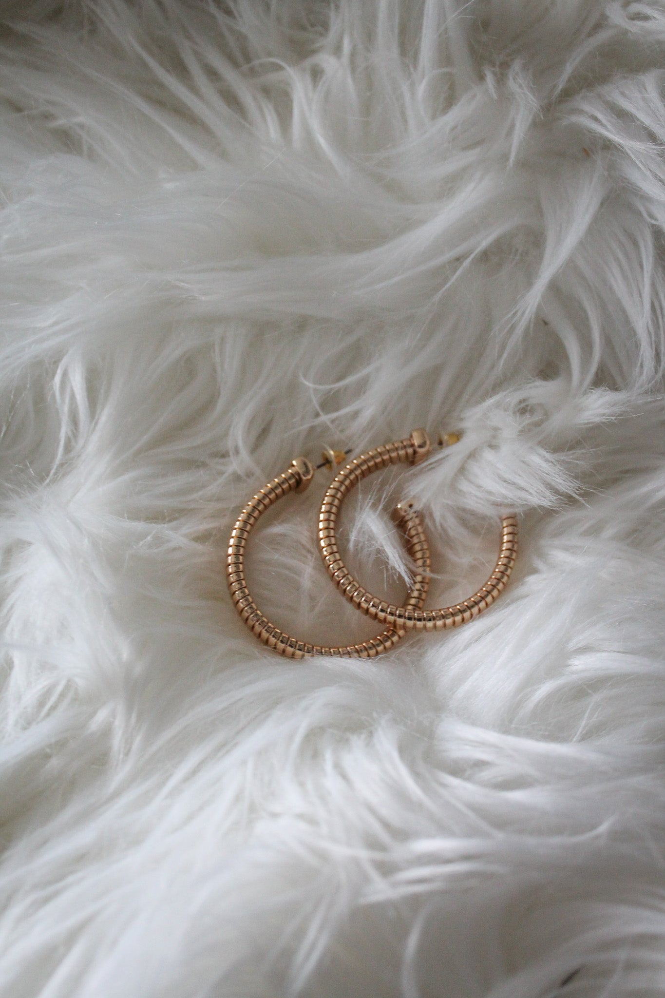Bolt Away Hoop Earrings in Gold