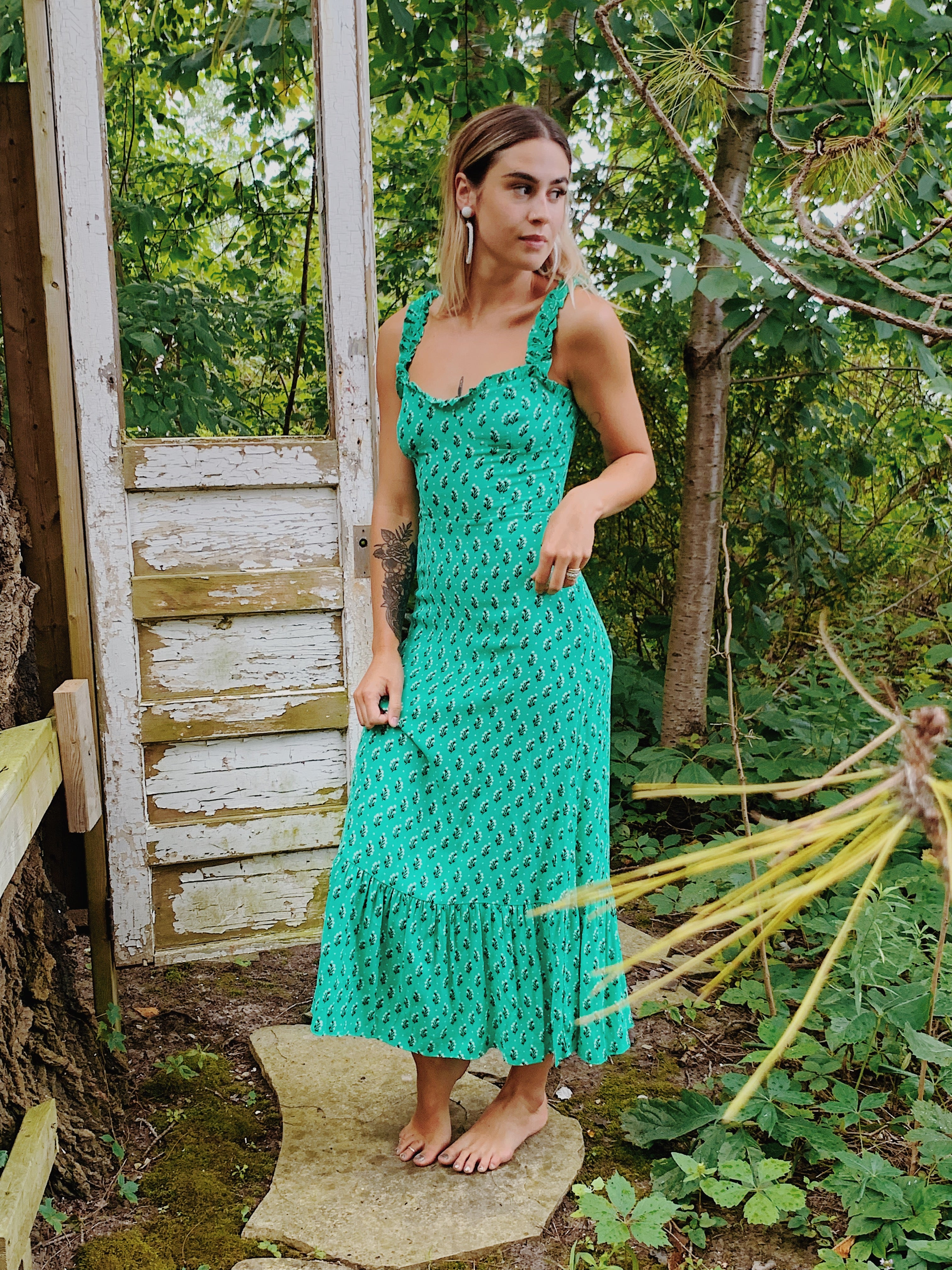 Samantha Ruffled Hem Sweetheart Maxi Dress in Green