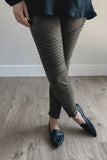 SOLD OUT / Stylish Stride Leggings in Olive