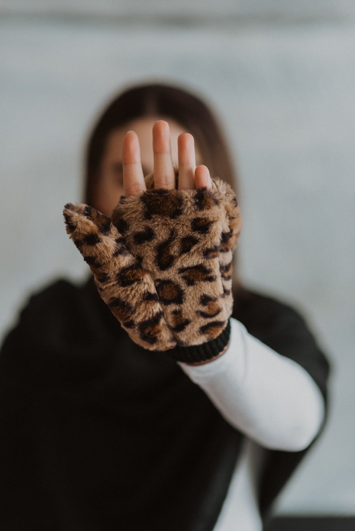 Caught In A Blizzard Faux Fur Pop-top Gloves in Brown Leopard