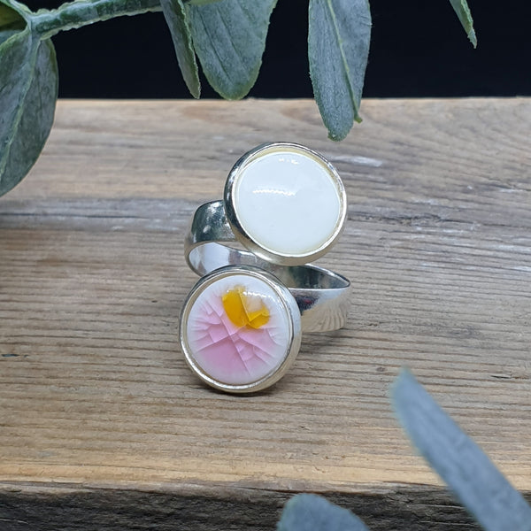 Pink/yellow and white porcelain and glass double ring