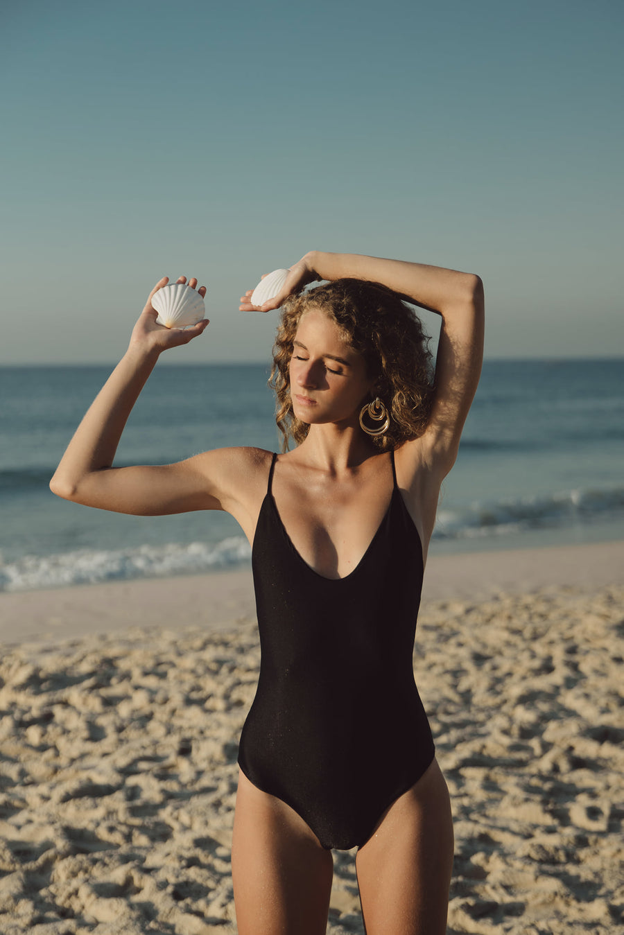 DAISY ONE PIECE - BLACK