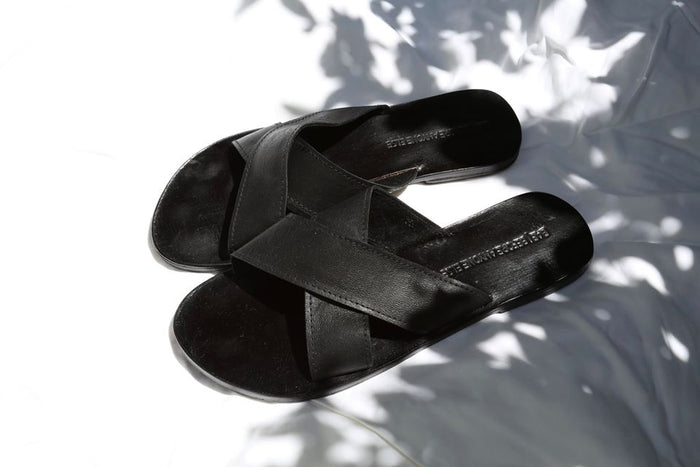 BARE SLIDES - BLACK