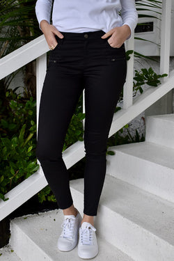 Rene Skinny Fit Stretchy Black Pant