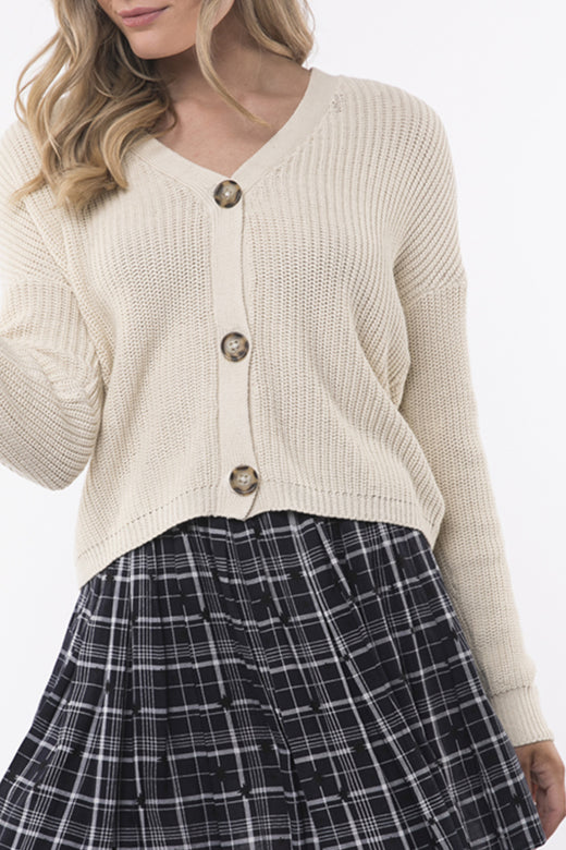 Cropped 3 Button 90s Beige Cardi