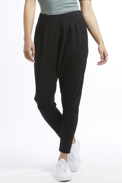 Explorer Crossover Knit Black Pant