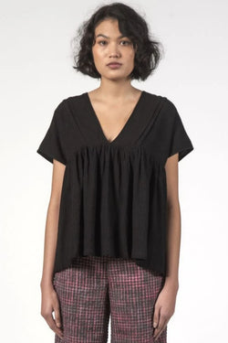 Elfie Black Vneck Gathered SS Top
