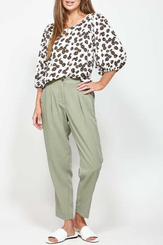 Close Out Vanilla Floral Mid Sleeve Top