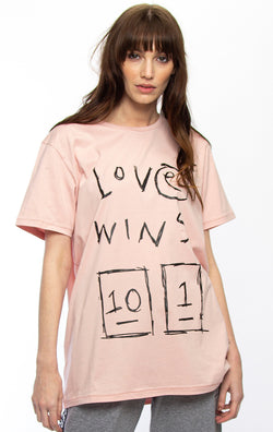 Rush Oversize Love Wins Rose Tee
