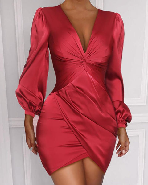 Ruched Twist Detail Long Sleeve Dress