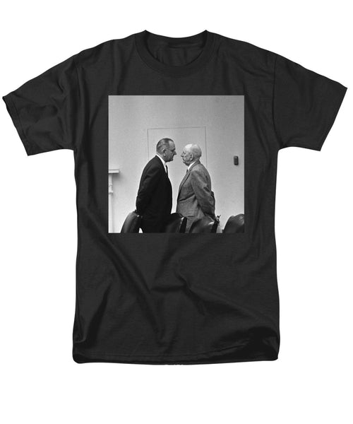 LBJ Giving The Treatment - Men's T-Shirt  (Regular Fit)