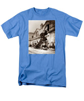 Train Derailment At Montparnasse Station - 1895 - Men's T-Shirt  (Regular Fit)