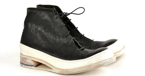 Sneaker boot  |  Hollow wedge