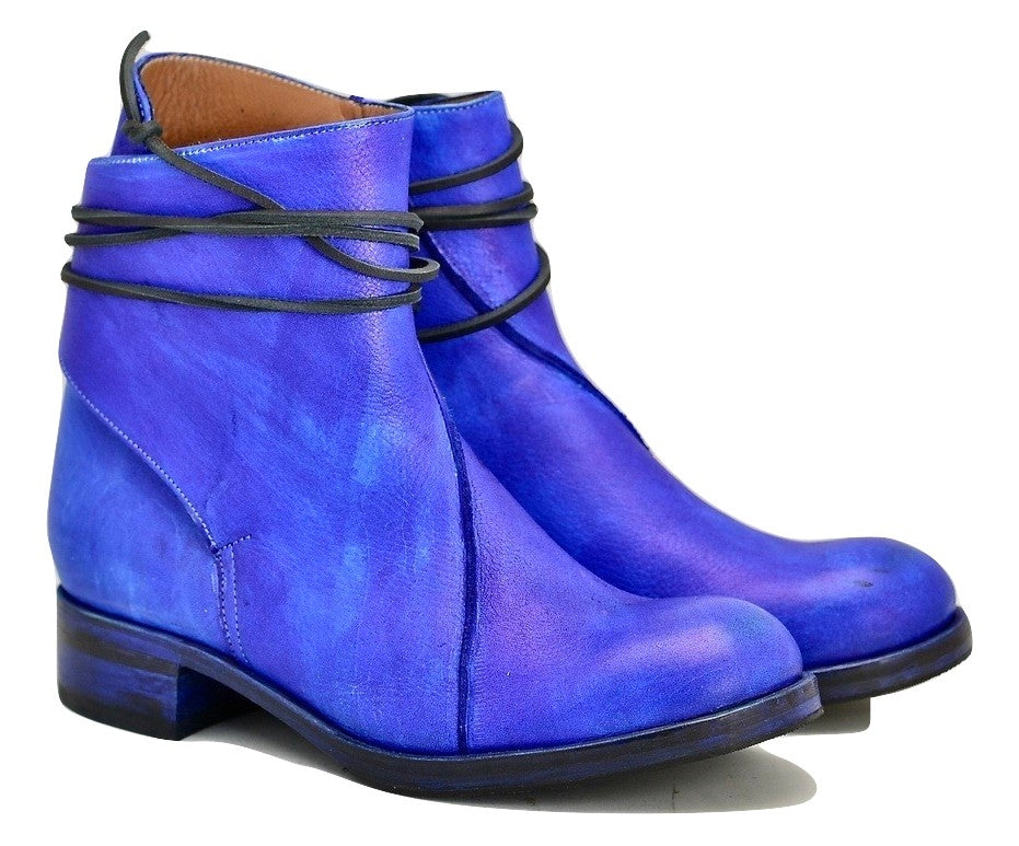 Lace around boot  |  Electric blue