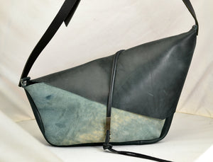 Rhomboid  |  Shoulder clutch marine cordovan