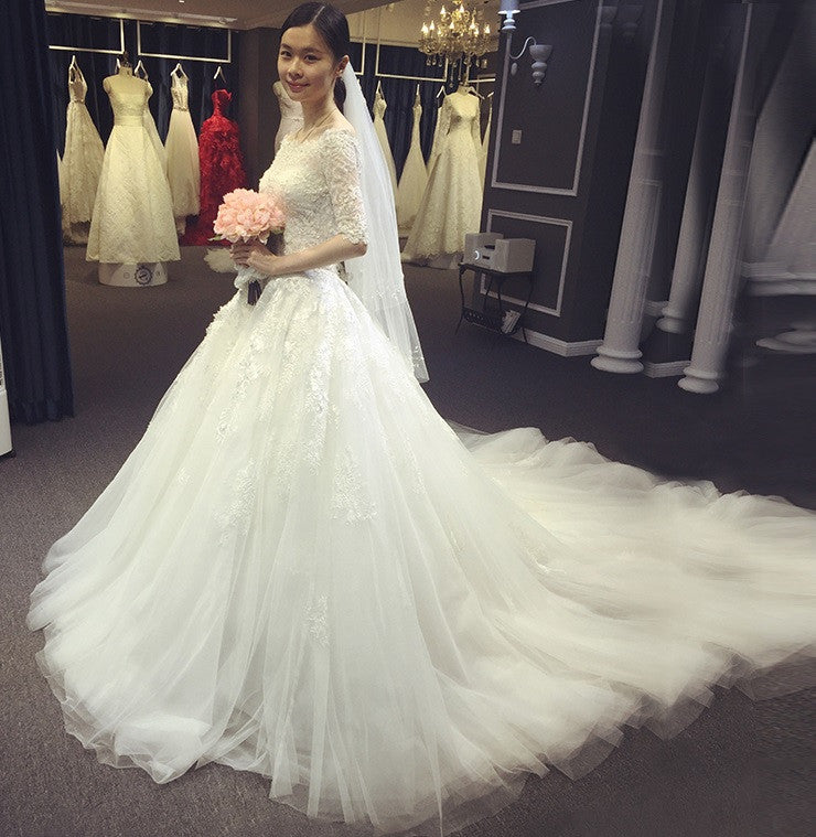 Korean Style Off Shoulder Wedding Gown With Train