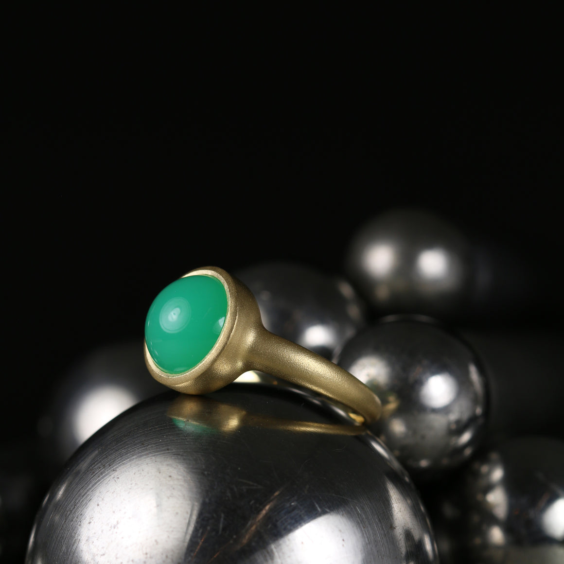 Kira Ring with Round Chrysoprase Cabochon
