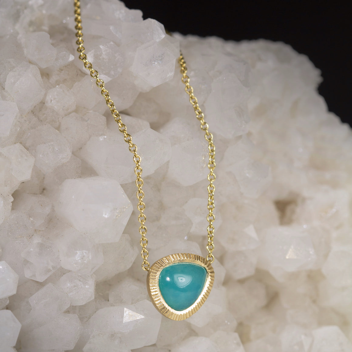 Gem Silica Piedras Necklace in Yellow Gold