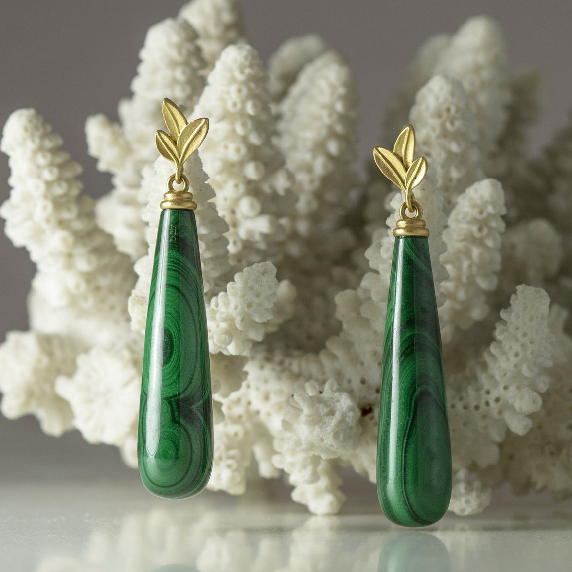 Botanica Malachite Drop Earrings in Yellow Gold