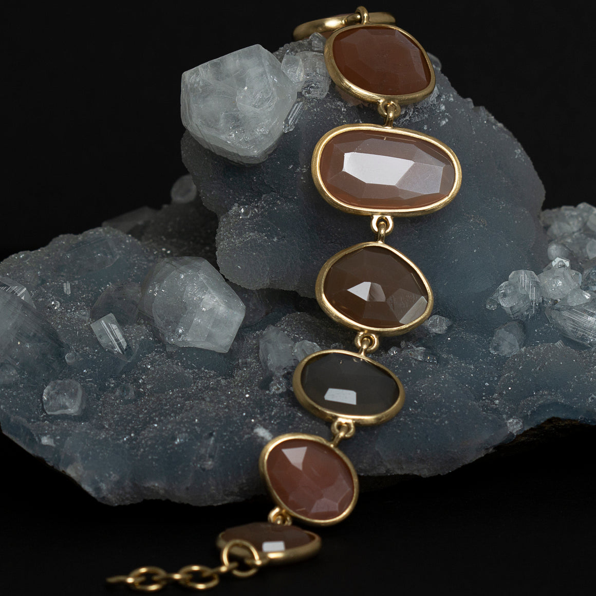 Piedras Link Bracelet with Moonstones