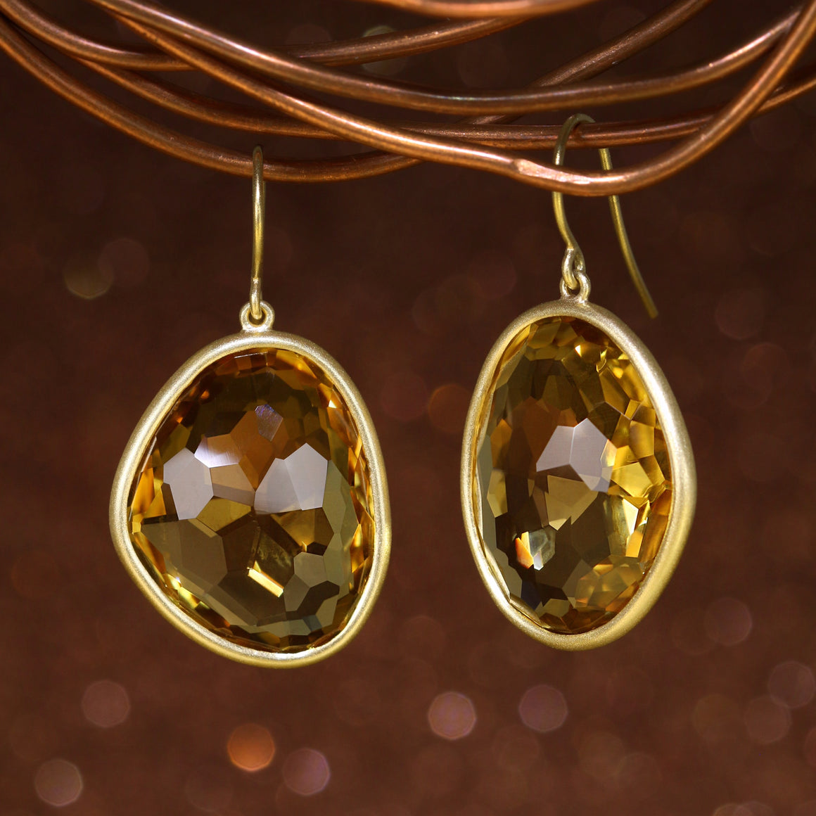 Piedras Earrings with Champagne Quartz - Large