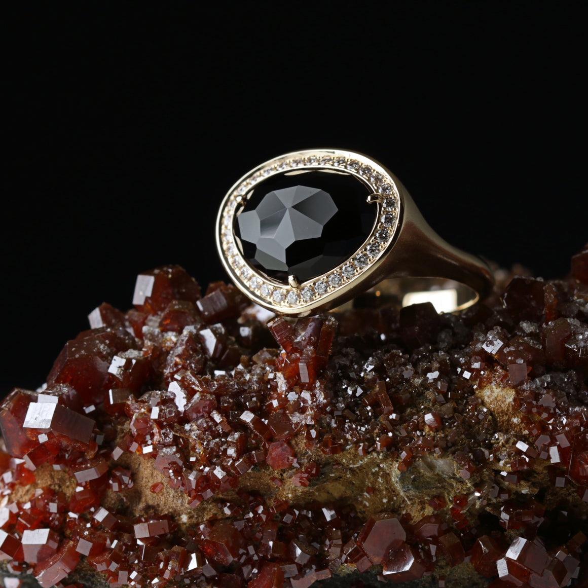 Piedras Halo Ring in Rose Gold with Black Onyx
