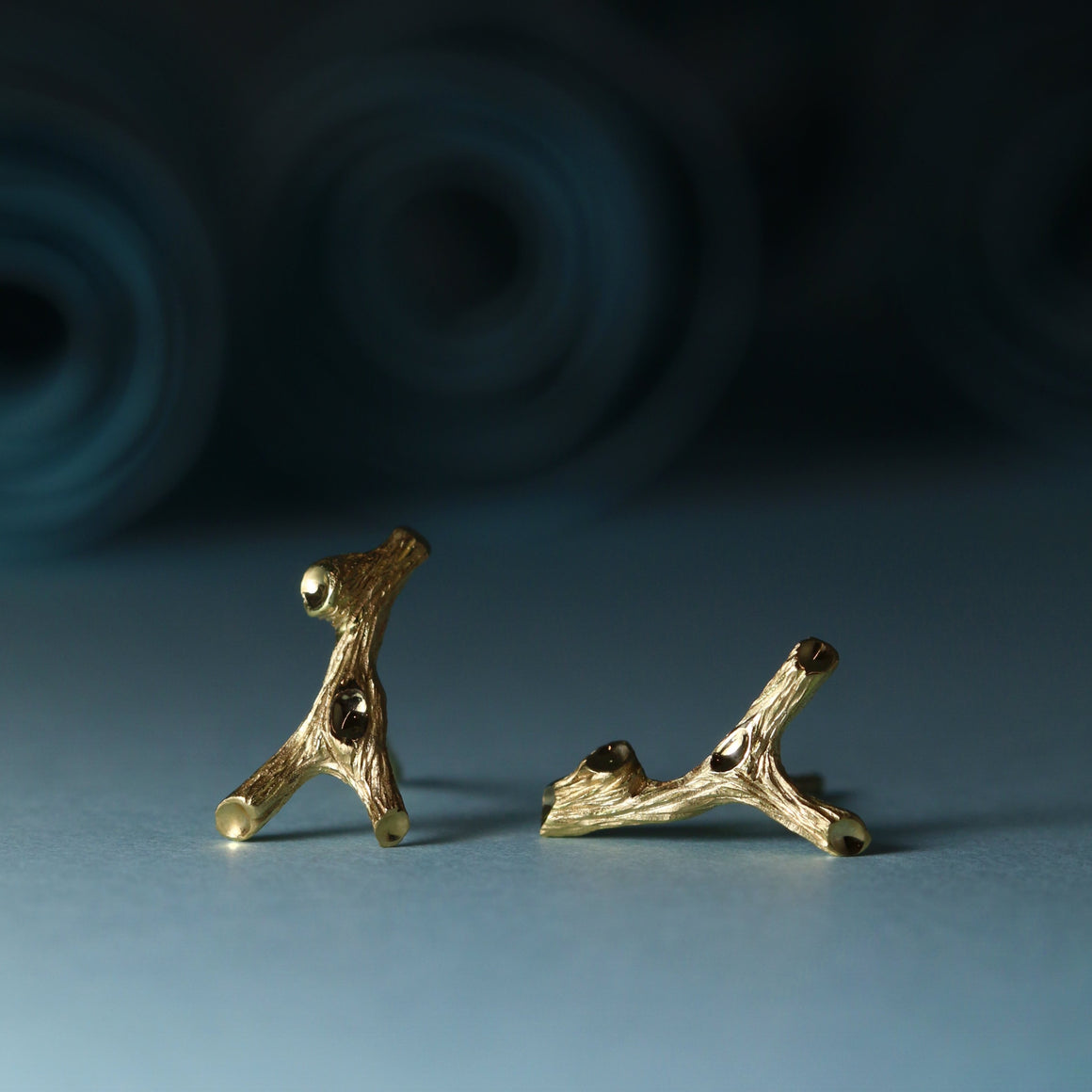 Woodland Slingshot Studs in Yellow Gold