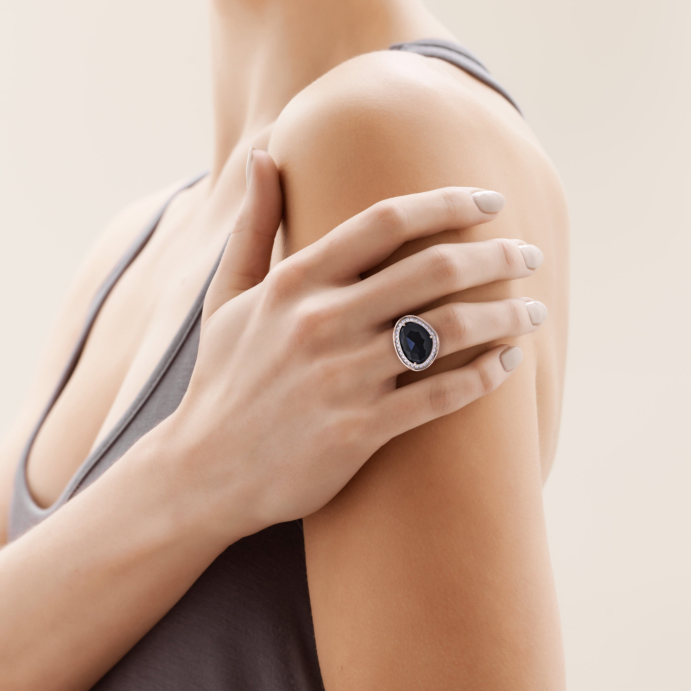 Piedras Halo Ring In Rose Gold With Black Onyx Baxtermoerman