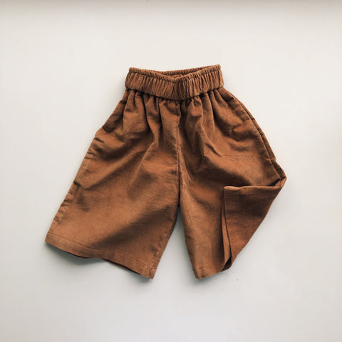 Everyday pants in corduroy brown