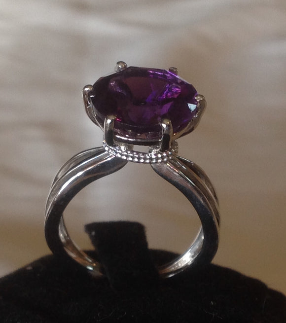 Sterling Silver Lusaka Amethyst Solitare Ring, size 7