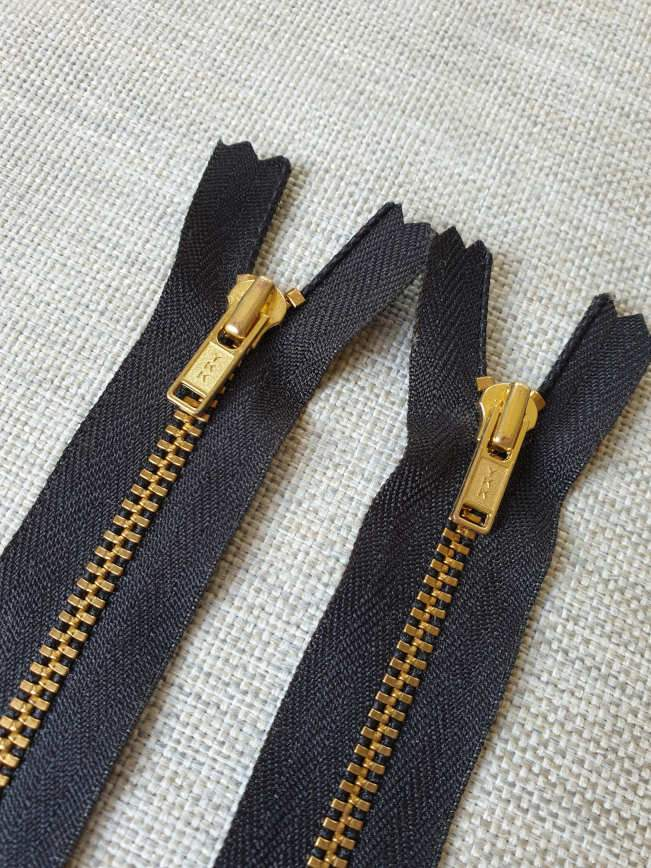 YKK Metal Zip NO # 4.5 Closed End 5 Inch regular Pull Colour 580