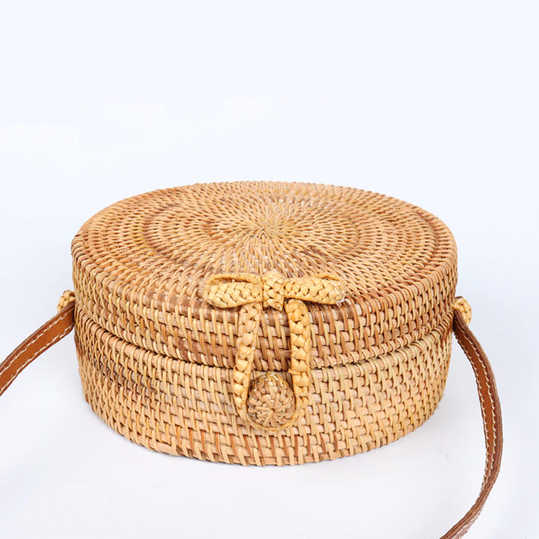 basic knot rattan shoulder bag