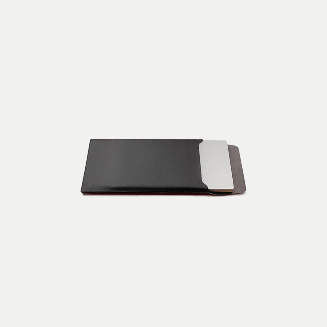 minimal slim laptop sleeve