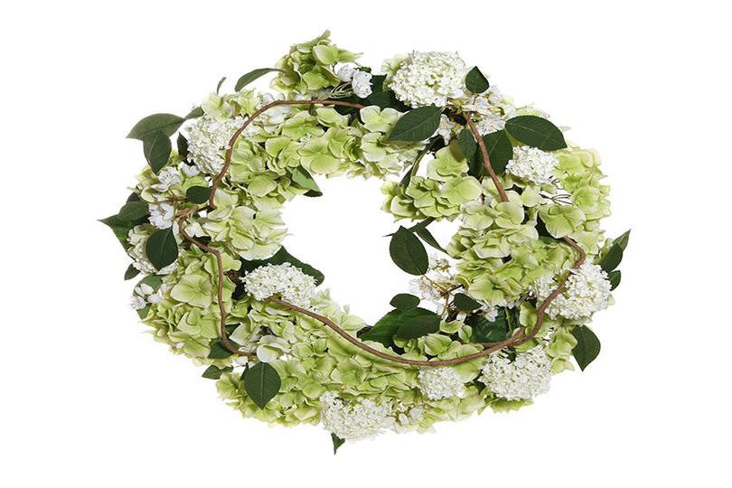 Wreaths and More: Adding Flair for Fabulous Gatherings