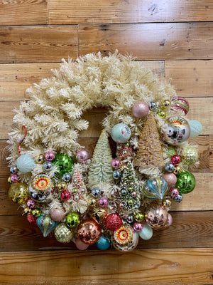 Large Retro Flocked Christmas Wreath