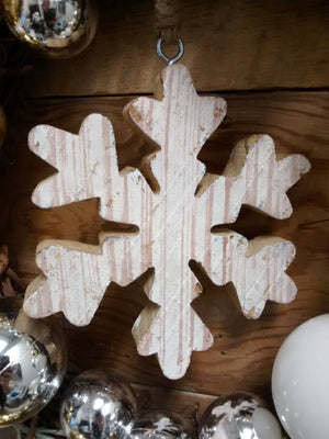 Snowflake Wreath - Bonnie Harms Designs
