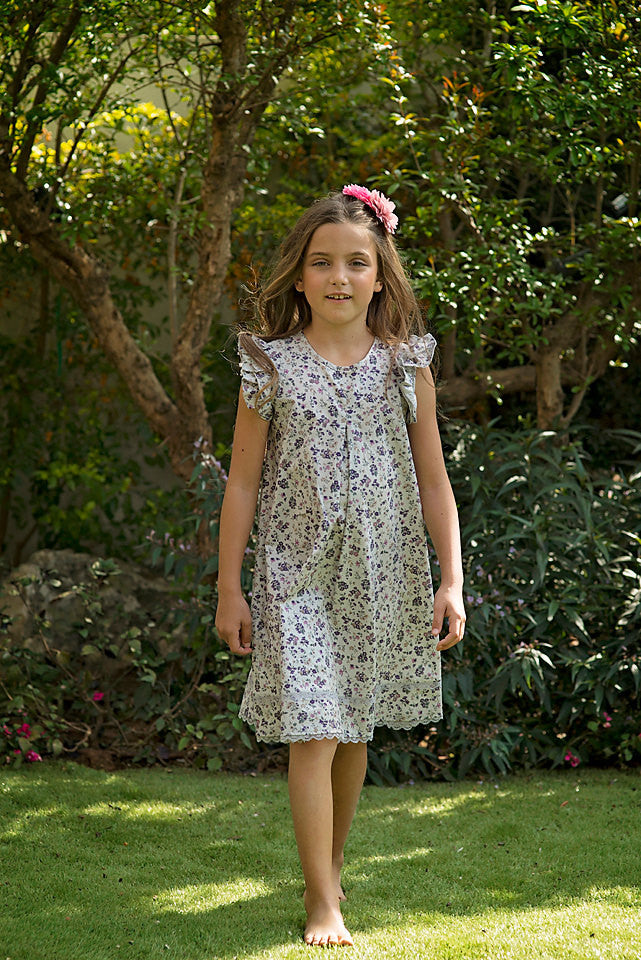 3e6cc8cbe Girls Floral Dress in Sizes 2 to 9 Years -- The