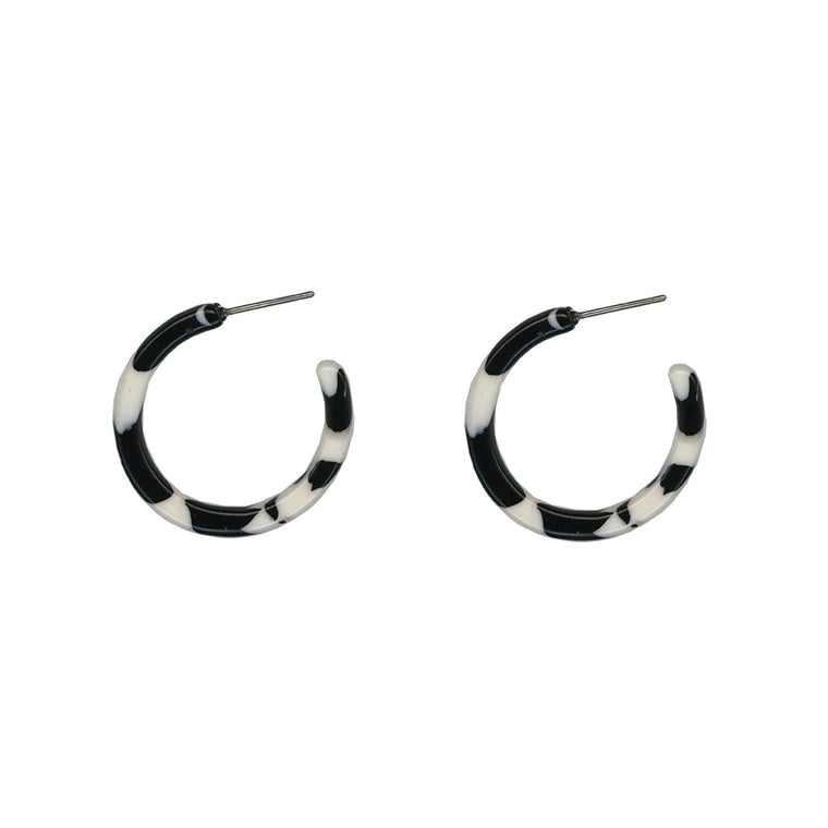 Ava Resin Hoop Earring - Black/White