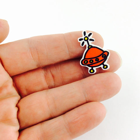 Spaceship pin badge